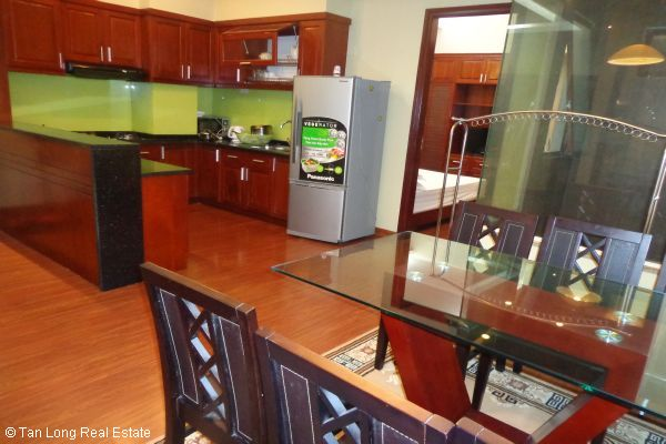 Nice serviced apartment with 2 bedrooms for lease in Cau Dat street 7