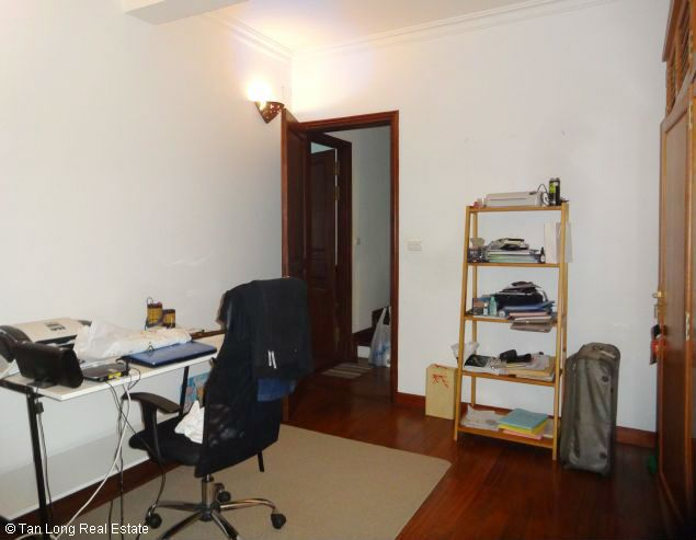 Nice three bedroom house for lease in Dang Thai Mai street Westlake Hanoi. 3