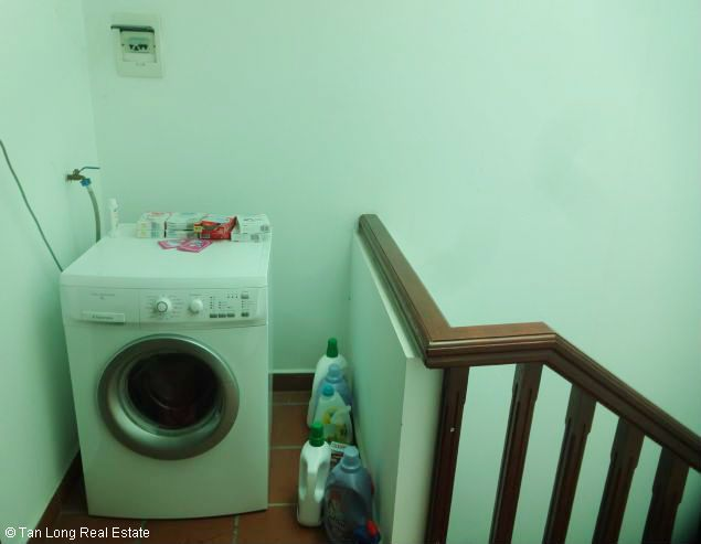 Nice three bedroom house for lease in Dang Thai Mai street Westlake Hanoi. 9