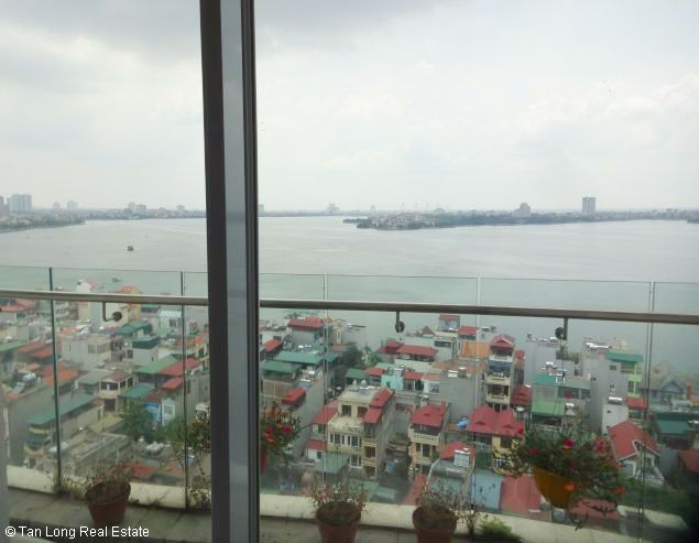 Nice two bedroom apartment for lease in W tower Golden Westlake Hanoi 1