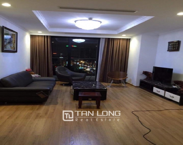 Nice view 3 bedroom apartment for rent in Royal City 2