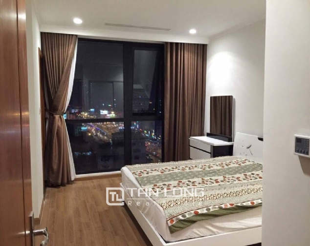 Nice view 3 bedroom apartment for rent in Royal City 3