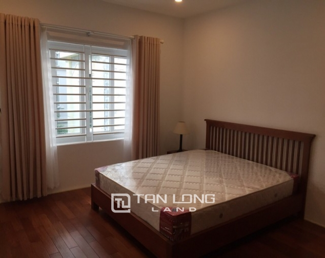 Nice villa for rent in Tay Ho Westlake 4