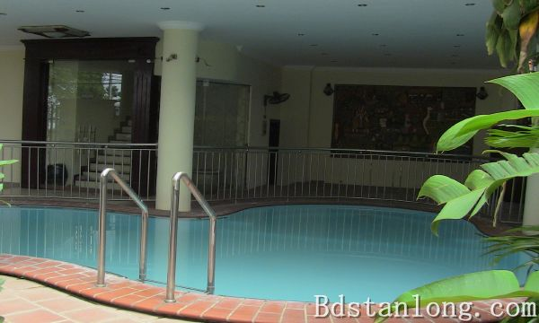 Nice villa with swimming pool rental in Au Co Hanoi
