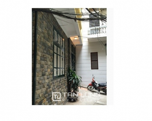 Nice villas in Ngoc Khanh street, Ba Dinh dist for lease 1