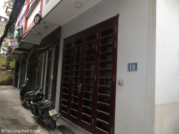 No brokerage furnished 4 bedroom house to lease in Dich Vong, Cau Giay street 1