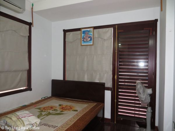 No brokerage furnished 4 bedroom house to lease in Dich Vong, Cau Giay street 4
