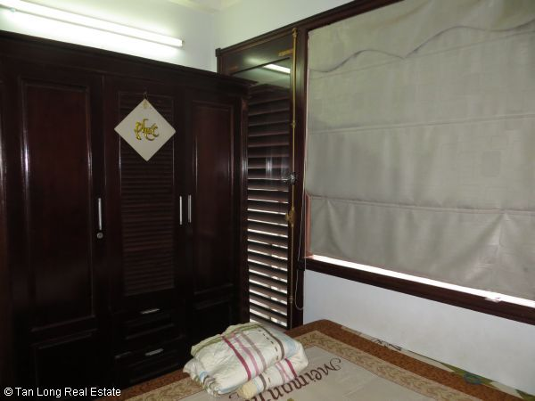 No brokerage furnished 4 bedroom house to lease in Dich Vong, Cau Giay street 5