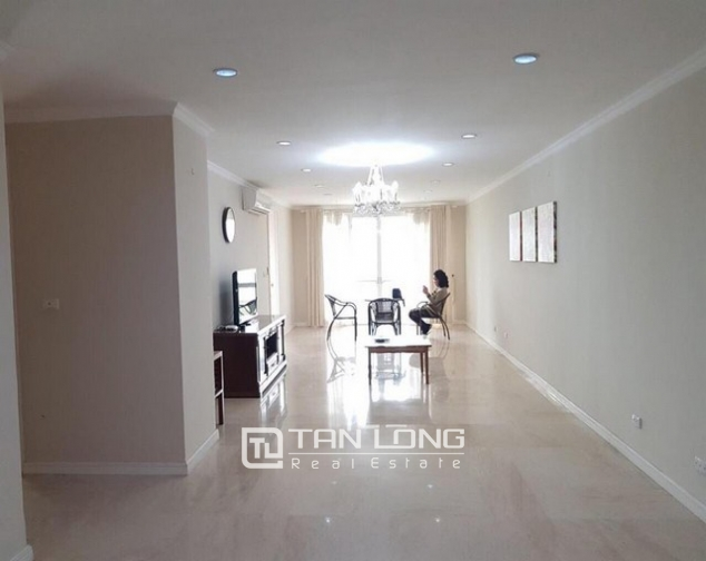 Non furnished 3 bedroom apartment for rent in P building, Ciputra 1