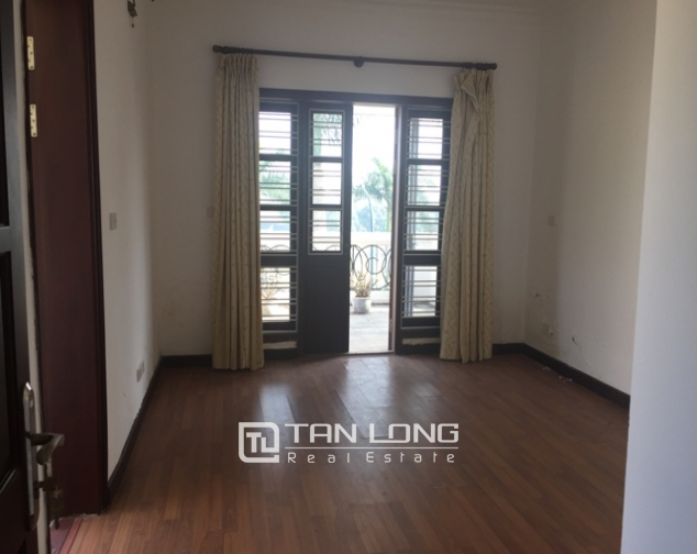 Northeast 3.5 storey villa for sale in D3 Ciputra without furniture 8