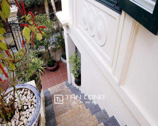 Old French villa for lease in alley 20, Tay Ho Distr 10