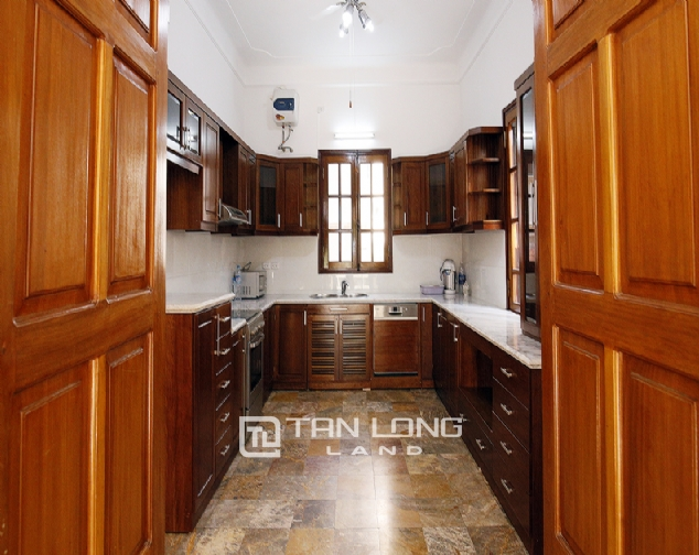 Old French villa for lease in alley 20, Tay Ho Distr 7