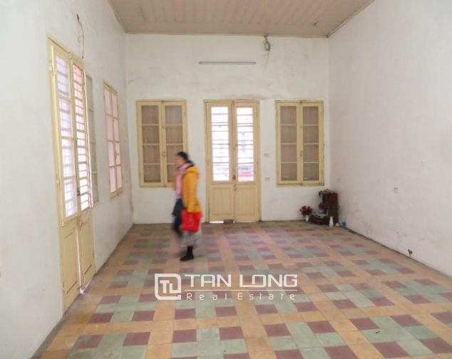 Old-styled villa in Ngo Thi Nham for rent, 2 storeys, small yard 5