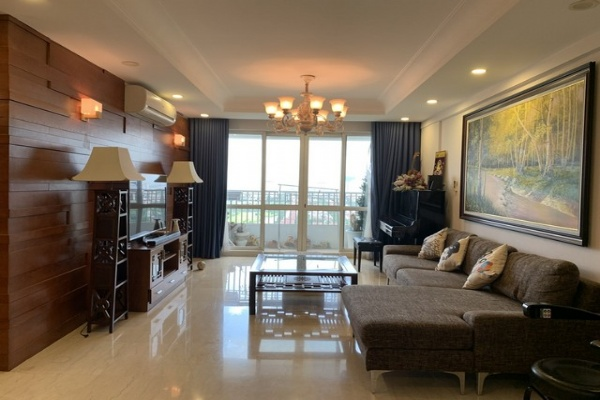 Panoramic golf view 3 bedroom apartment for rent in P2 tower Ciputra urban area