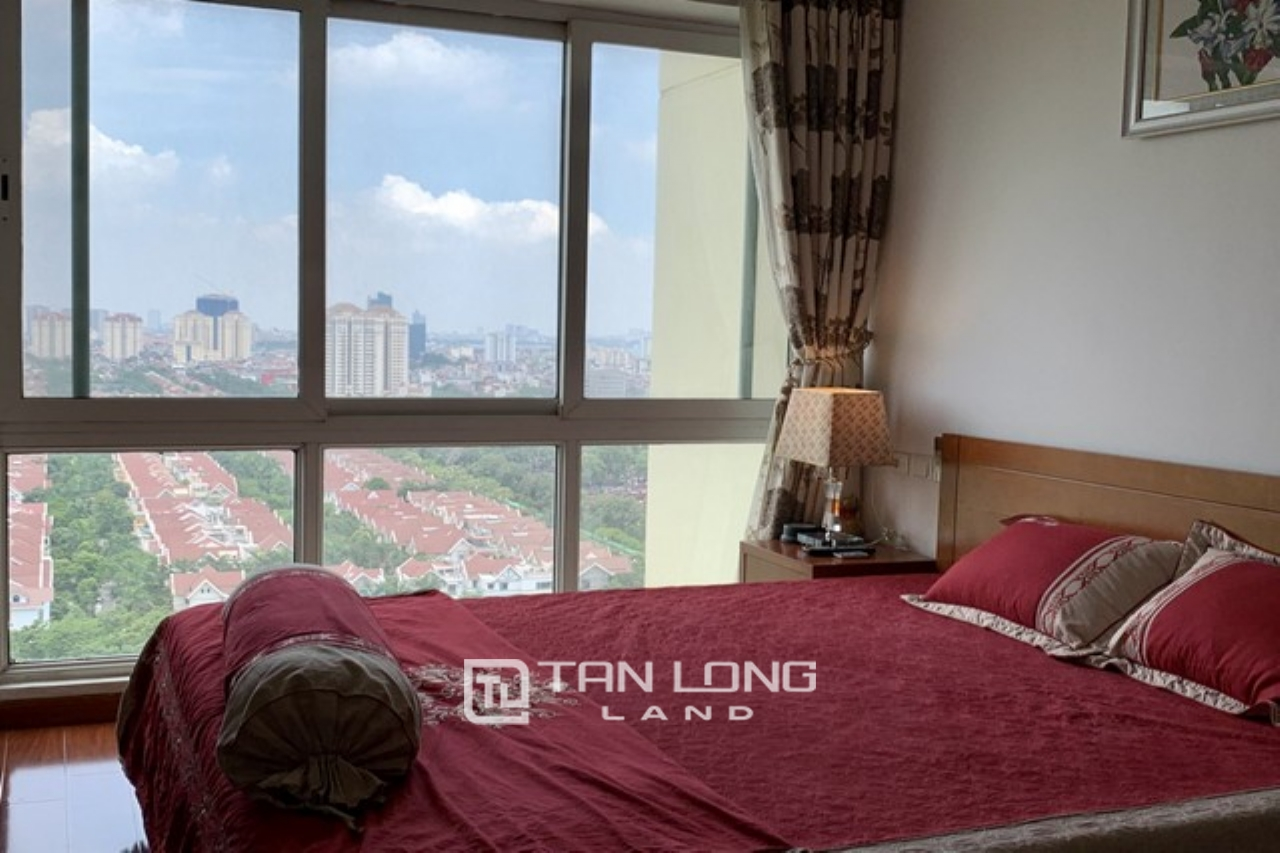 Panoramic golf view 3 bedroom apartment for rent in P2 tower Ciputra urban area 1