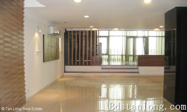 Penthouse apartment for rent in P2 Ciputra Hanoi. 2
