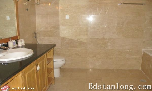 Penthouse apartment for rent in P2 Ciputra Hanoi. 7