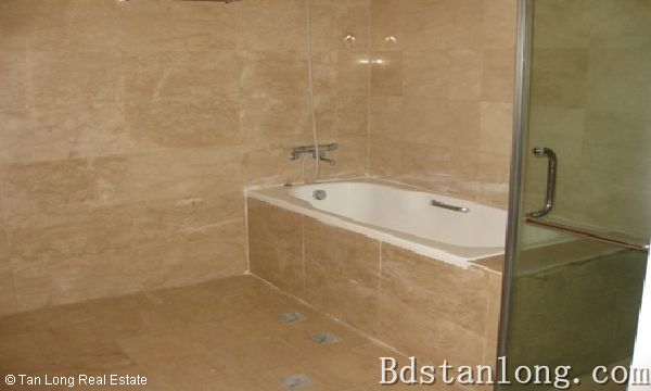 Penthouse apartment for rent in P2 Ciputra Hanoi. 9