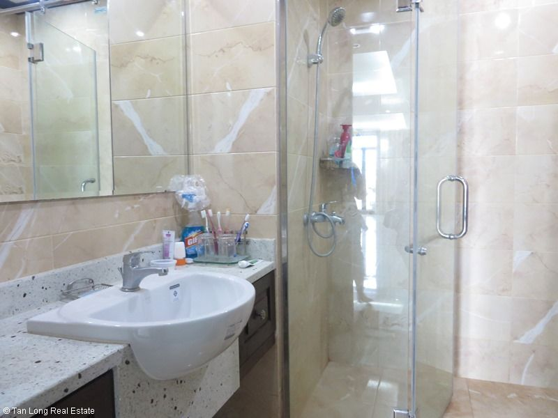 Platinum Residence 2 bedroom apartment for rent in Ba Dinh district. 3
