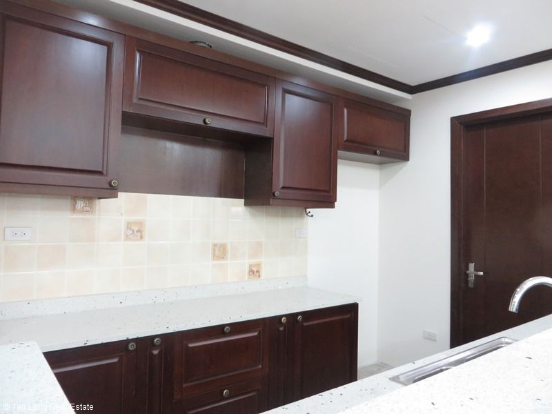 Platinum Residence 3 bedroom apartment to rent in Ba Dinh district. 5