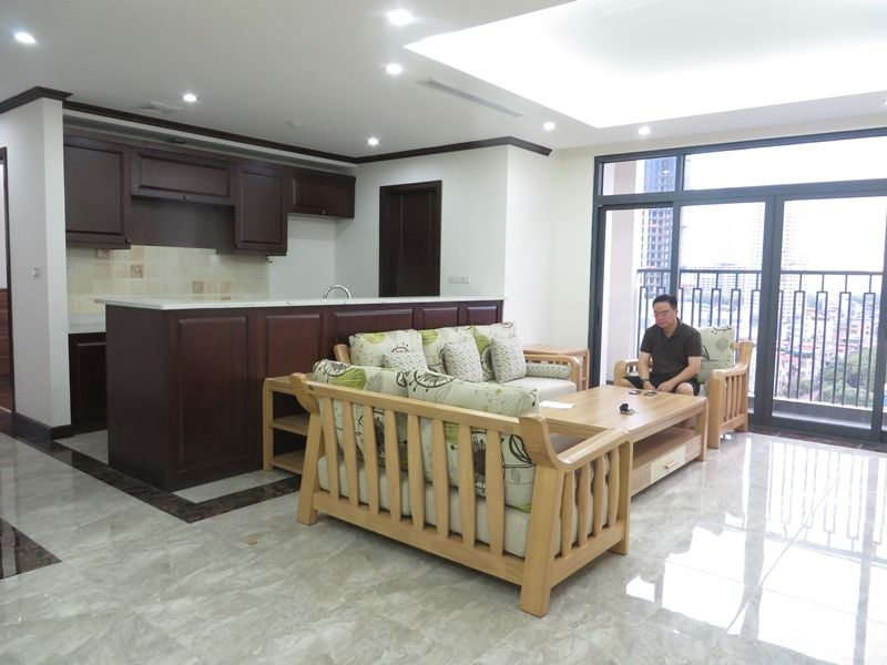 Platinum Residence 3 bedroom apartment to rent in Ba Dinh district.