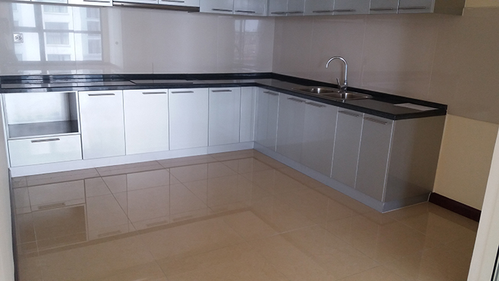 R1 Royal City apartment for rent with 3 bedrooms, 3 bathrooms
