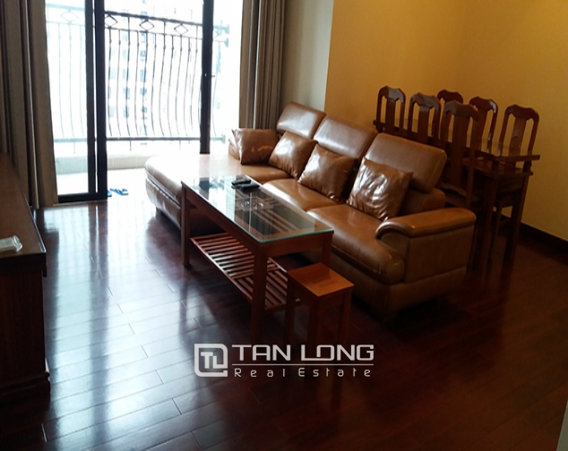 R2 Royal City: 2 bedroom apartment for lease, full of natural light and wind 1