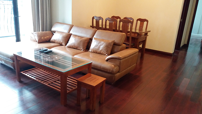 R2 Royal City: 2 bedroom apartment for lease, full of natural light and wind