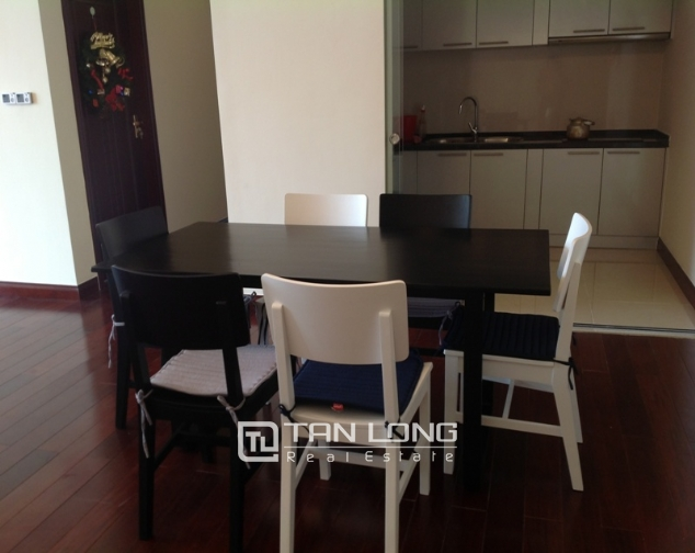 R2 Royal City apartment with 2 bedrooms rental, full furnishings 3