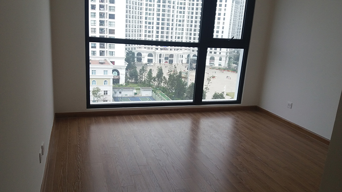 Reasonable 3 bedroom apartment for rent in R6 Vinhomes Royal City, Hanoi