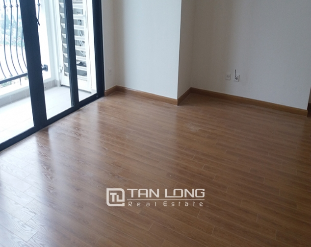 Reasonable 3 bedroom apartment for rent in R6 Vinhomes Royal City, Hanoi 1