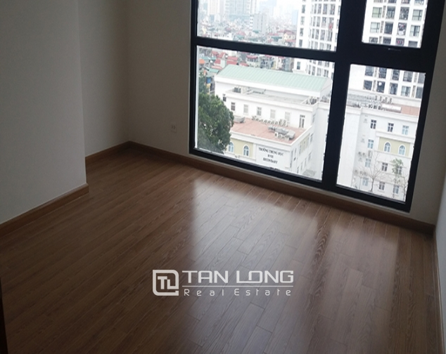 Reasonable 3 bedroom apartment for rent in R6 Vinhomes Royal City, Hanoi 3