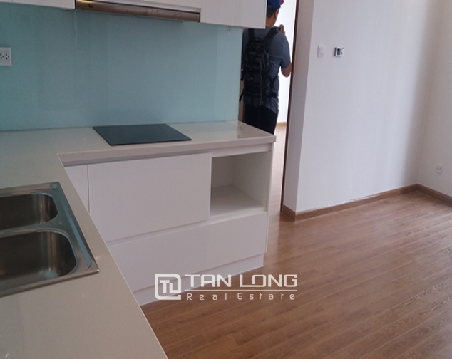 Reasonable 3 bedroom apartment for rent in R6 Vinhomes Royal City, Hanoi 4