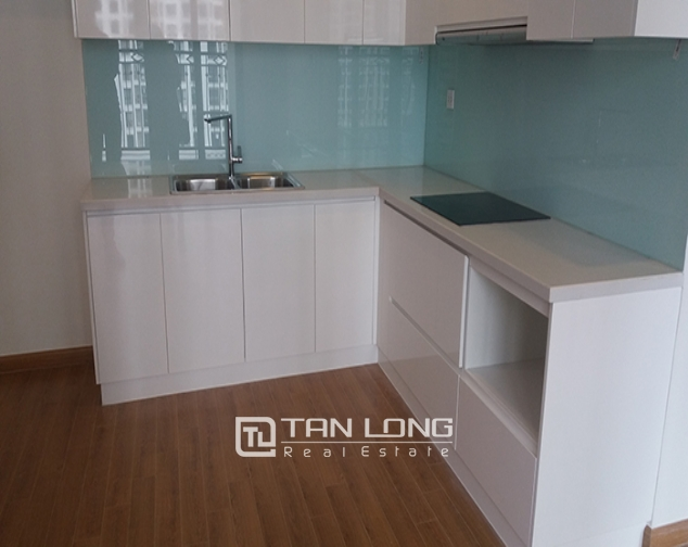 Reasonable 3 bedroom apartment for rent in R6 Vinhomes Royal City, Hanoi 5