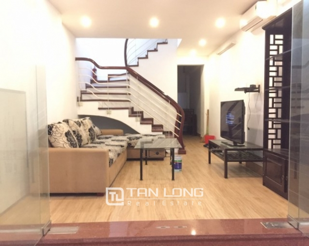 REASONABLE 6 bedroom house for rent in Dang Thai Mai street, Tay Ho district 1