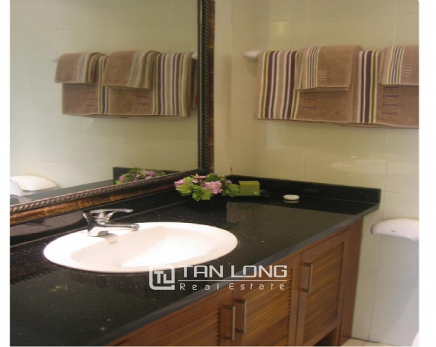Reasonable and  nice 4 bedroom apartment with full furnished  for lease in E5 building, Ciputra, Ha Noi 7