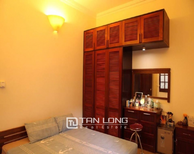 REASONABLE pricing house for rent in Au Co street, Tay Ho district! 4