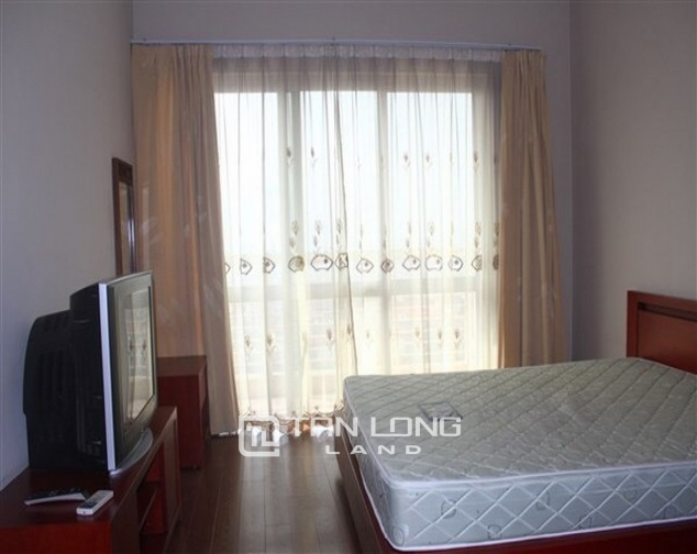 Reasonably furnished 3 bedroom apartment for rent in E4 tower Ciputra urban area 4