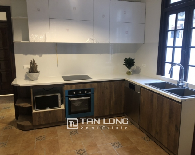 Renovated villa for rent on Xuan Dieu street, Tay Ho district 6