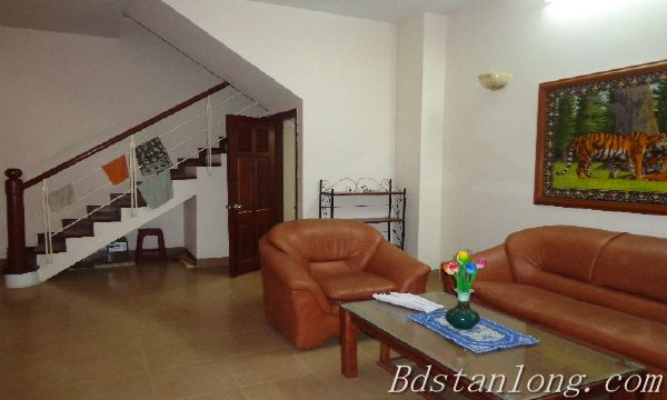Rent house in Dang Thai Mai street, Tay Ho district.