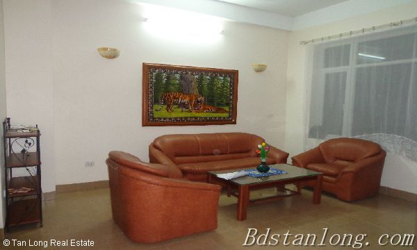 Rent house in Dang Thai Mai street, Tay Ho district. 2