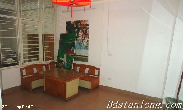 Rent house in Dang Thai Mai street, Tay Ho district. 3