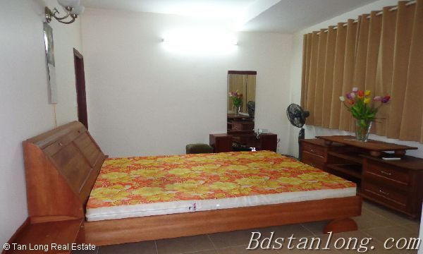 Rent house in Dang Thai Mai street, Tay Ho district. 7
