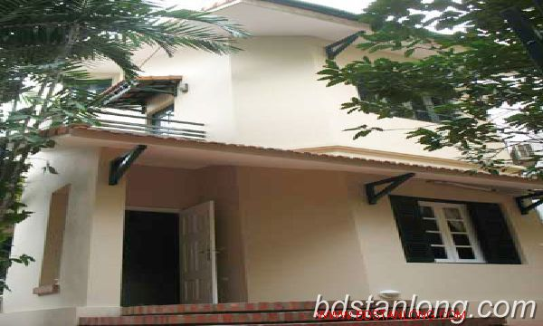 Rent villa in Tay Ho district 1