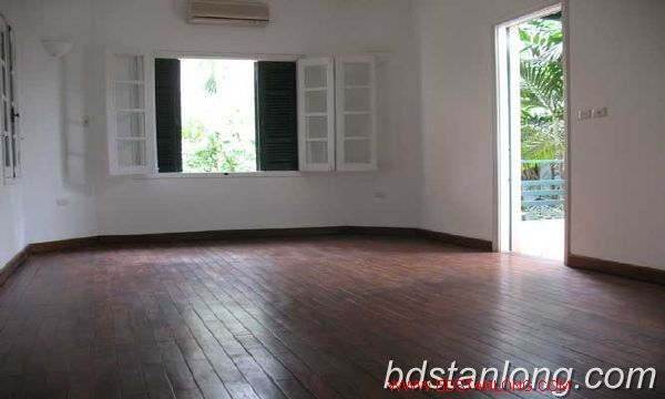 Rent villa in Tay Ho district 4