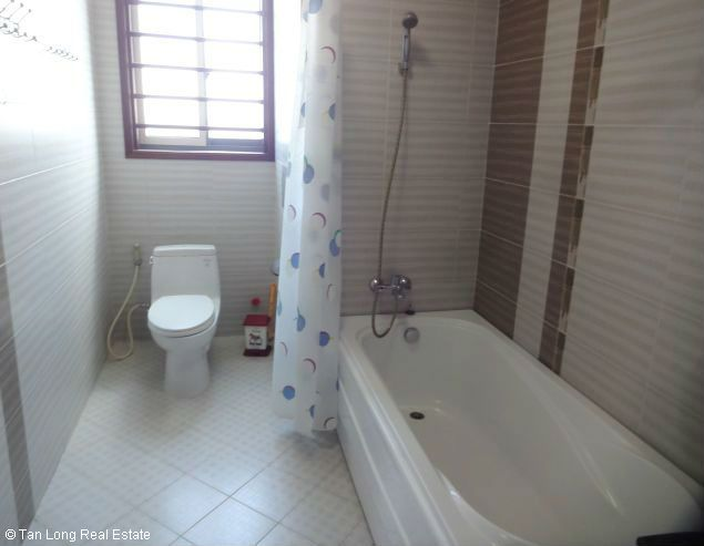 Rental 3 bedroom apartment in Veam Building, Tay Ho, Hanoi 6