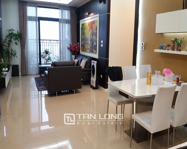 Rental apartment  nice 3 bedrooms middle floor R1 building in Royal City 4