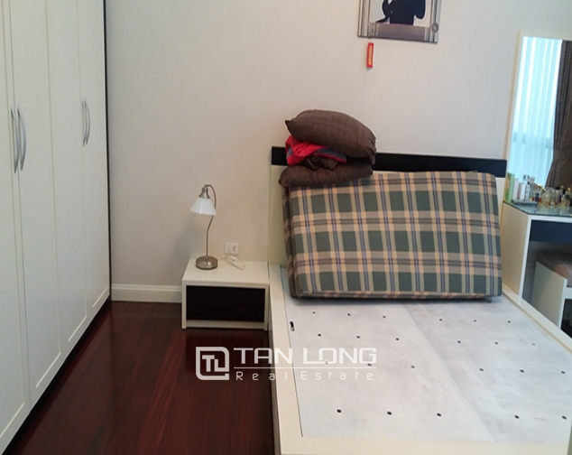 Rental apartment  nice 3 bedrooms middle floor R1 building in Royal City 6