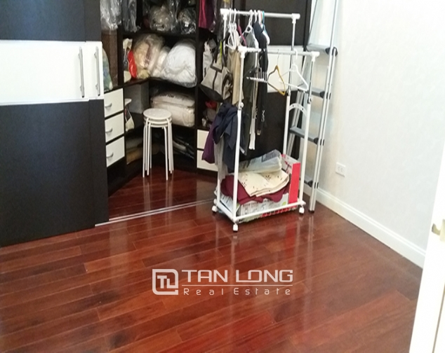 Rental apartment  nice 3 bedrooms middle floor R1 building in Royal City 8