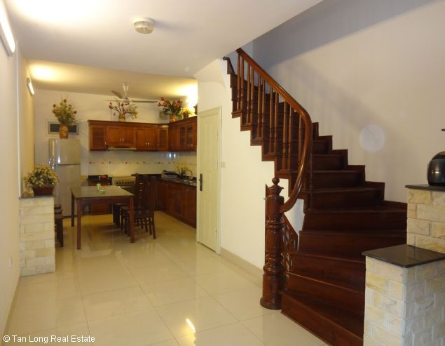 Rental house with 6 bedrooms in Dang Thai Mai street 3